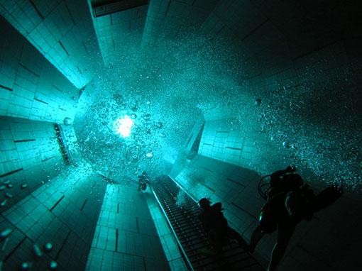 Nemo 33 inmersi n en la piscina m s profunda del mundo for Piscina mas profunda del mundo
