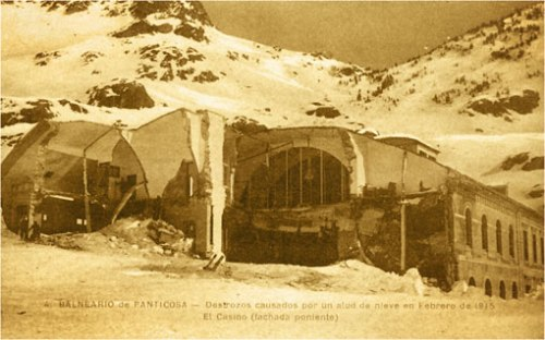 Efectos de un alud en 1915.
